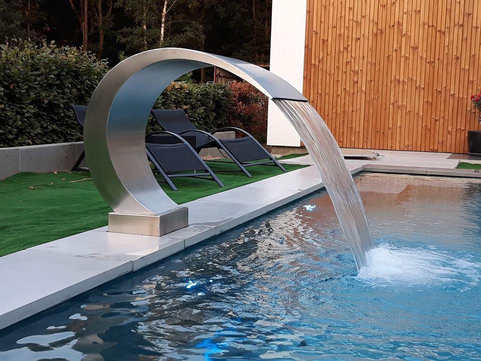 Inox zwembad fontein